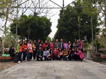 Ảnh thăm quan của giáo viên nhà trường, lễ chùa tại Bắc Ninh xuân Bính Thân