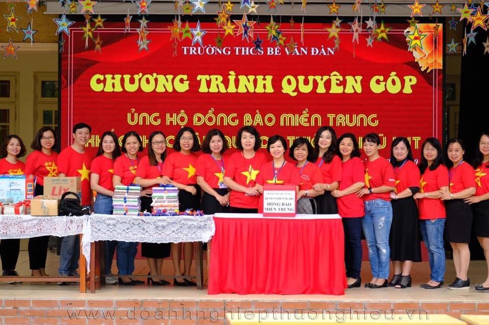 """Chương trình quyên góp """"Hướng về miền Trung"""" của tập thể cán bộ GV-CNV, PH và toàn thể HS trường THCS Bế Văn Đàn"""